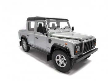 Universal Hobbies Defender 110Double cab 1:18 Silver TD5
