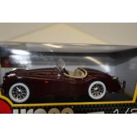 Burago Jaguar XK120 Cabrio 1948 1:24 Rood
